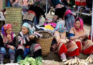 Sapa-market-tours