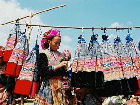 Sapa Handicraft Making Tour
